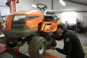 Pierre, Technicien tracteurs de pelouse